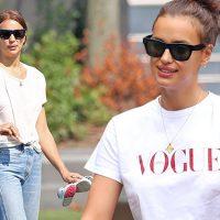 125474 Два casual-образа за один день: Ирина Шейк на прогулке с дочкой Леей