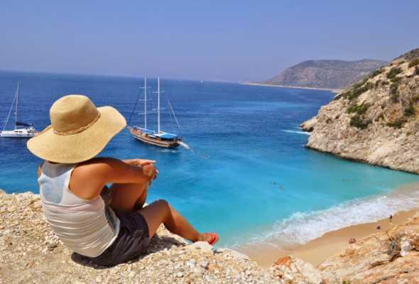 Рейсы на турецкие курорты продолжают сокращать