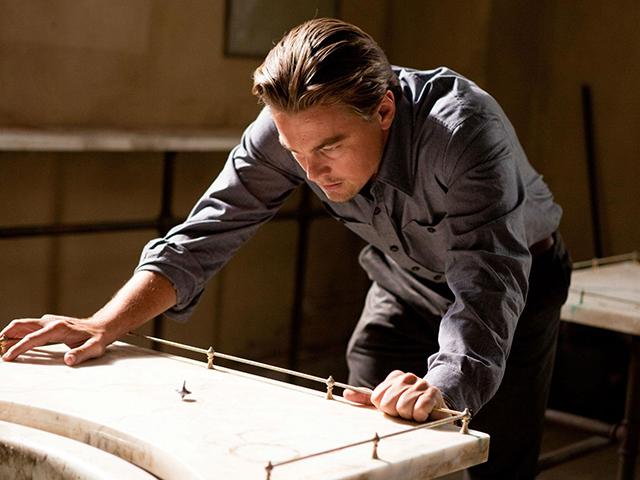 """126156 Майкл Кейн положил конец домыслам и объяснил концовку фильма """"Начало"""" Кристофера Нолана"""