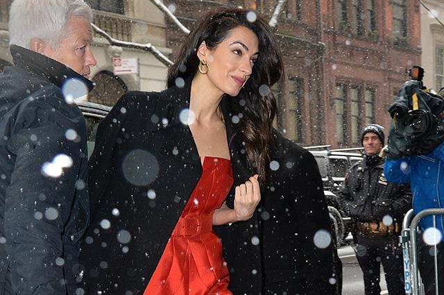 131669 Амаль Клуни побывала на вечеринке Меган Маркл в честь скорого рождения ребенка