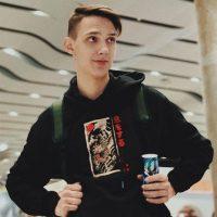 131522 Автор хита «Мокрые кроссы» Тима Белорусских тайно стал отцом в 16 лет