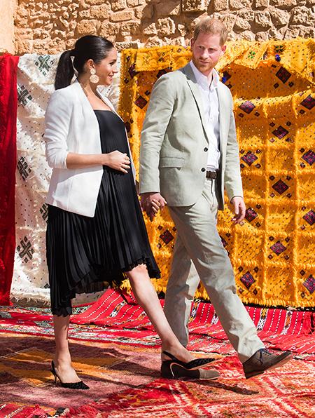 131793 Последний день в Марокко: Меган Маркл и принц Гарри выбрали сувениры на ярмарке ремесел