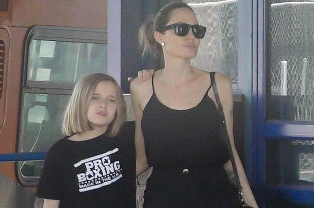 134704 Анджелина Джоли провела выходной день с дочерью Вивьен: фото
