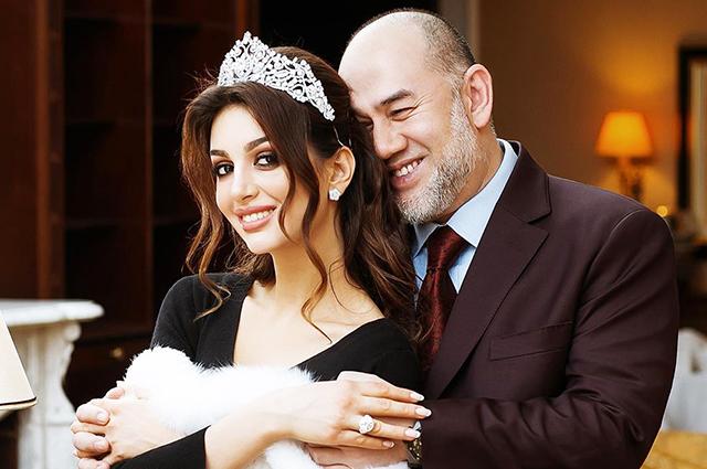 СМИ: «Мисс Москва — 2015» Оксана Воеводина развелась с бывшим королем Малайзии