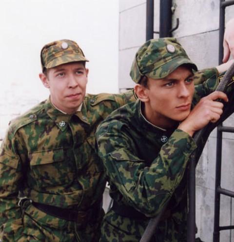 Здравствуй, юность в сапогах: как изменились звезды сериала «Солдаты»