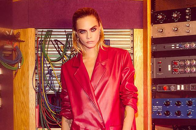137583 Леопардовые шубы, кожа и колготки в сеточку: Кара Делевинь снялась в новой модной кампании