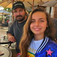 138284 «Съехавшая малолетка»: 13-летнюю дочь Павла Худякова сравнили с Яной Рудковской
