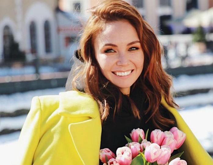 139971 «Без мейка, без фильтров!»: 34-летняя Утяшева не побоялась показать несовершенство кожи