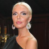 139696 Конфуз: Малиновская снялась в леопардовом боди с корсетом вслед за Седоковой