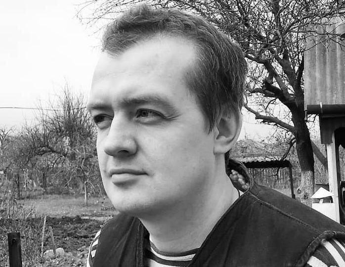 140116 «Хомячье бежит в студию за копейки»: Абрикосов пристыдил Меньщикова за участие в «На самом деле»