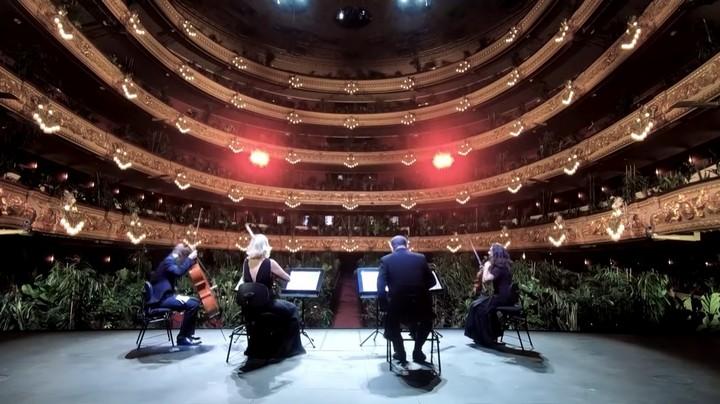 143786 Барселонский оперный театр открывается с растениями вместо зрителей