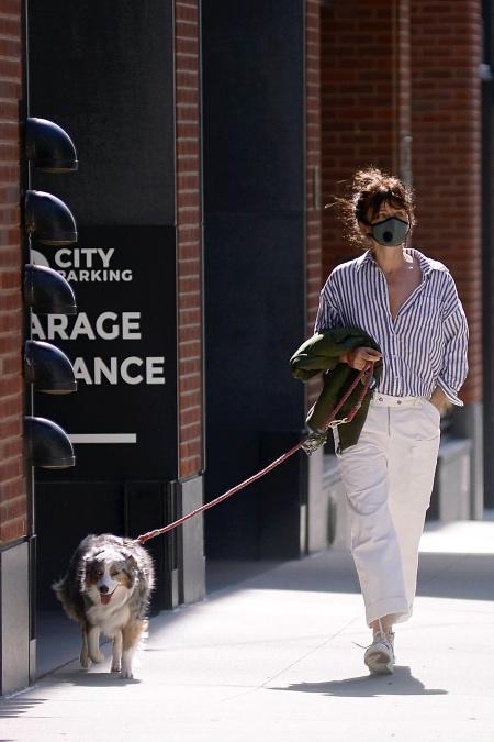 Хелена Кристенсен на улицах Нью-Йорка, июнь 2020 года