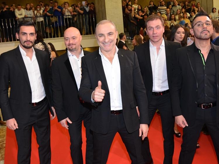 Михаил Турецкий с участниками своего коллектива