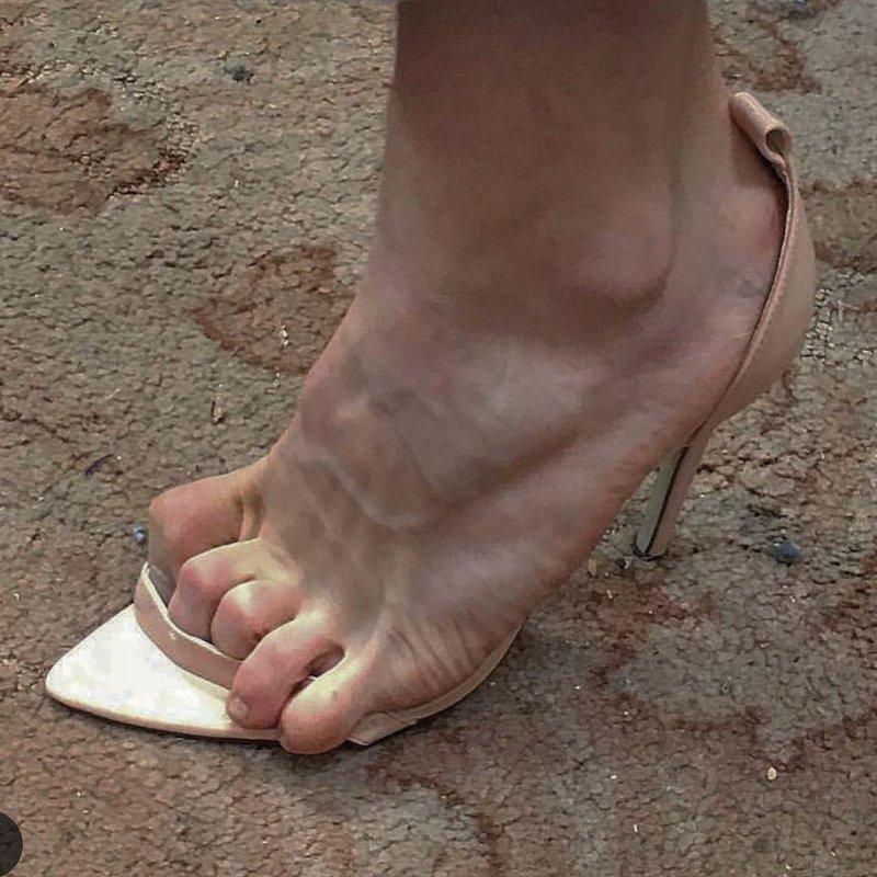 153659 12 пар странной и совсем неудобной обуви