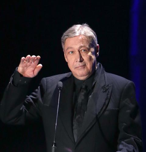 152024 Адвокат семьи Захаровых: «Ефремов получил минимум 3 года сверху за поведение своего защитника»