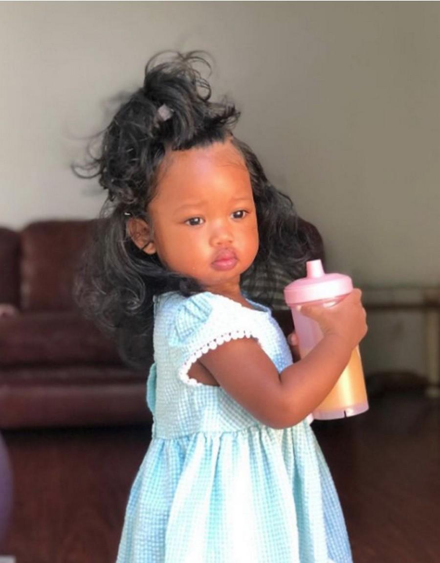 Эта малышка покорила весь Интернет своей интересной внешностью