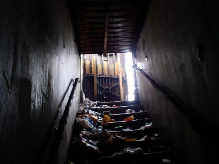 155219 Женщина превратила заброшенный общественный туалет в шикарный дом