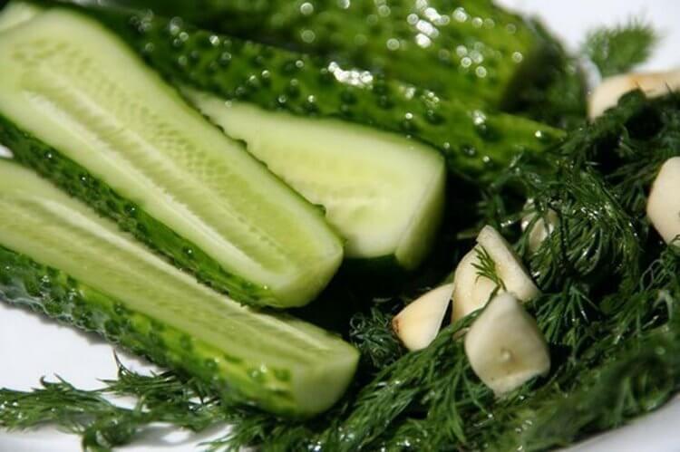 168555 Малосольные огурцы за 5 минут и идеи оформления овощной нарезки